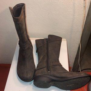 Merrell performance footwear boots sz9.5